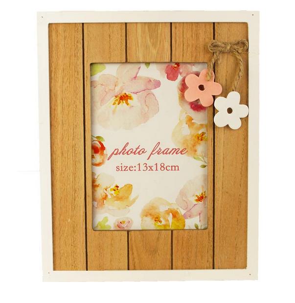 Dřevěný fotorámeček květinky 27x22